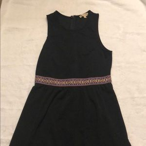 Little blck dress with cute  waist detail